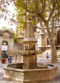 Fountain in the Place de la Revolution, Beziers